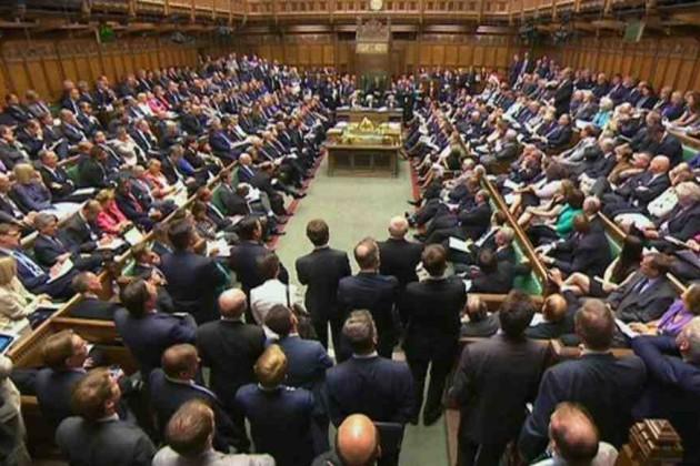 Британский парламент повторно отверг соглашение по Brexit