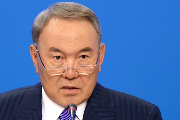 Президент поздравил казахстанцев сДнем Конституции