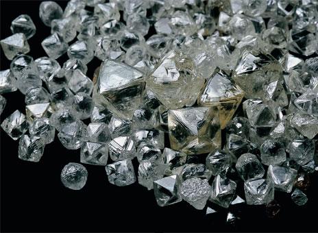 Регулирование ввоза и вывоза необработанных алмазов