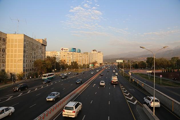 Президент проинспектировал дороги Алматы
