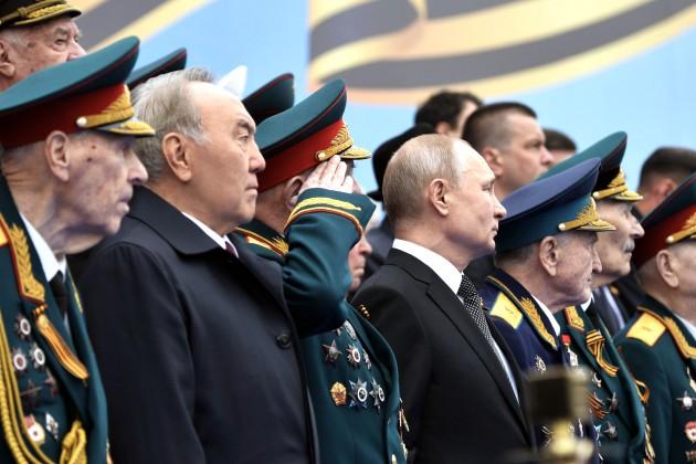 Нурсултан Назарбаев прибыл на военный парад в Москву