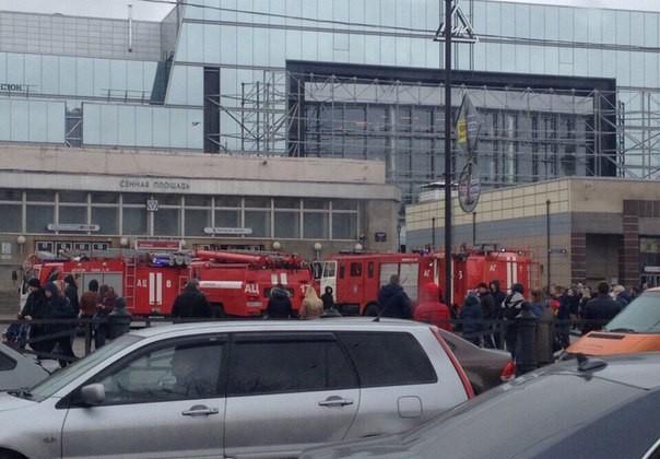 Впетербургском метро произошел взрыв
