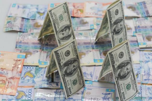 Курс доллара сутра укрепился на1,68тенге