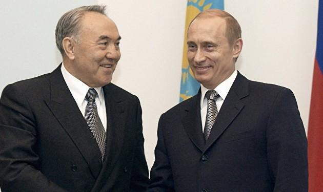 Владимир Путин поздравил Нурсултана Назарбаева сДнем независимости