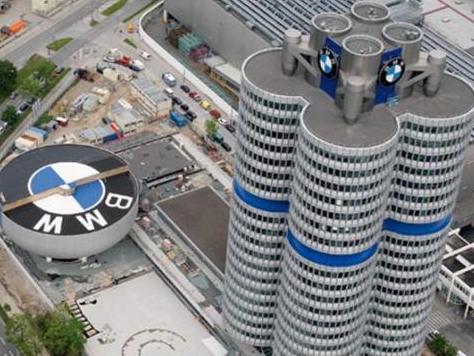 Спорткар M8 к 100-летию BMW