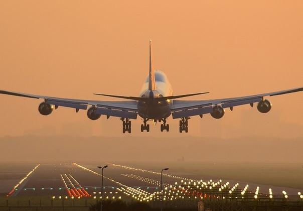Для аэропортов и авиакомпаний прописаны новые правила