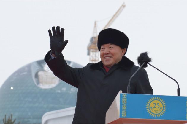 Президент открыл монумент 25-летия Независимости