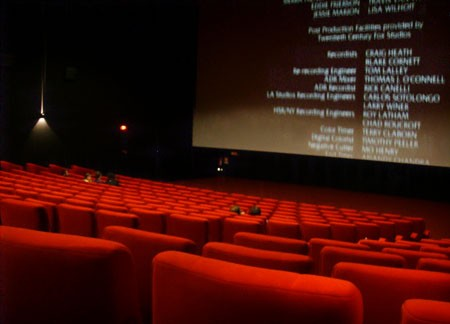 Отечественные кинопрокатчики находятся на грани банкротства