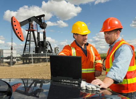 США увеличили добычу нефти до максимума