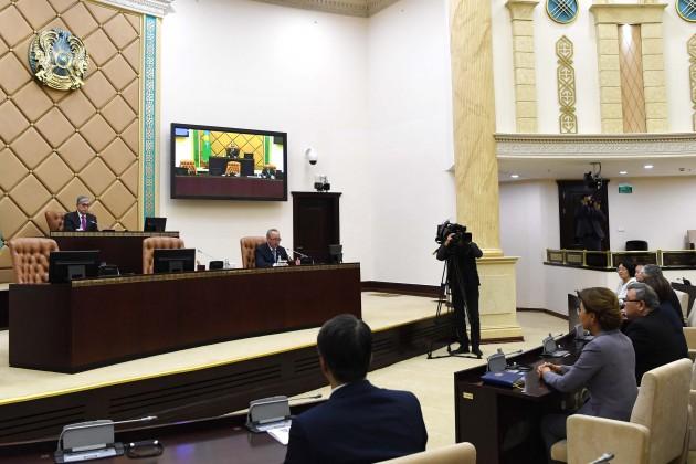 Парламент одобрил переименование столицы