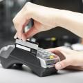 Объем безналичных платежей за год просел на 5%