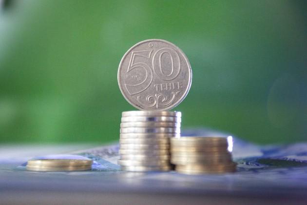 Нацвалюта продолжает укрепляться: 350 тенге за 1 доллар