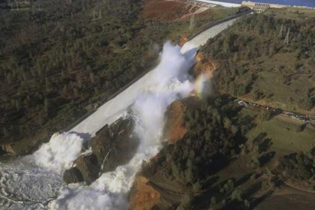 ВКалифорнии объявили массовую эвакуацию
