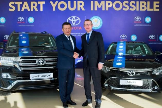 Toyota передала 8автомобилей Национальному Олимпийскому Комитету