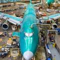 Boeing вслед заAirbus сокращает расходы