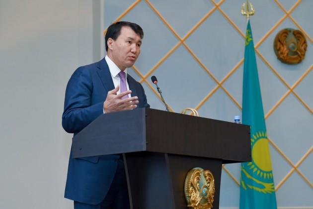 Алик Шпекбаев назвал наиболее коррумпированные госорганы