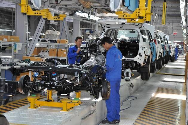 Выпуск легковых авто подскочил загод на86%