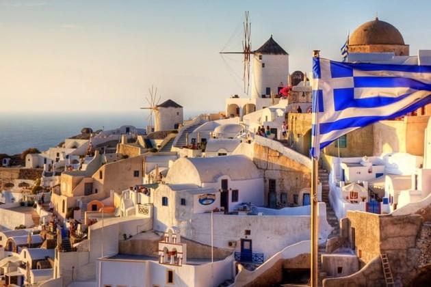 Греция получила рекордные доходы от туризма