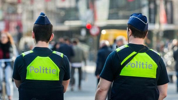 ВБельгии автомобиль въехал вгруппу пешеходов