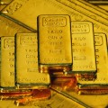 Золото и серебро дорожают на фоне слабого доллара