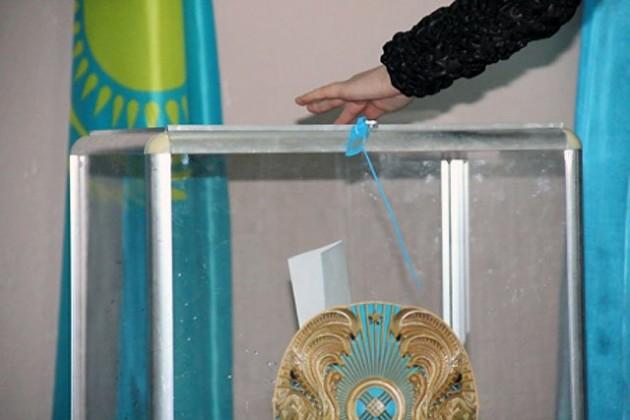 Назарбаев разрешил выбирать районных акимов