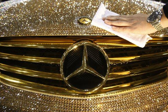 В Кыргызстане предлагается ввести налог на роскошь