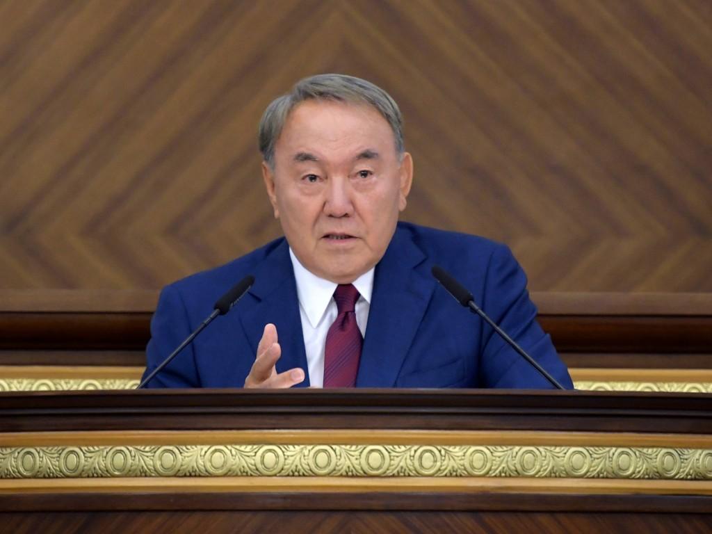 Нурсултан Назарбаев посетит Узбекистан иТуркменистан 16