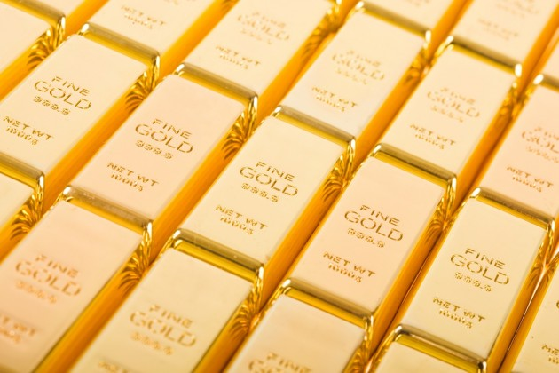 Золото дорожает на фоне ослабления доллара
