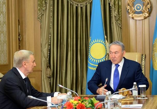Президент провел консультации по досрочным выборам