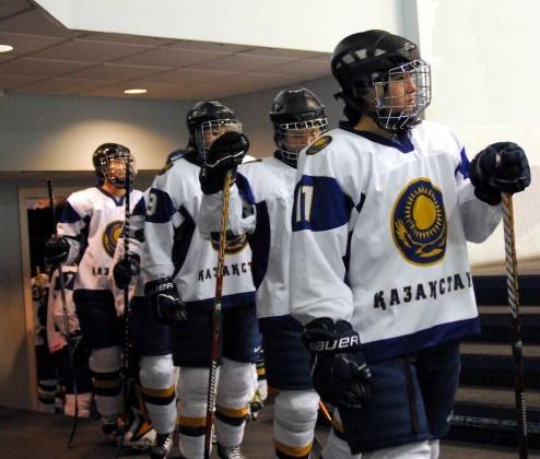 Казахстанские хоккеистки выиграли у Великобритании