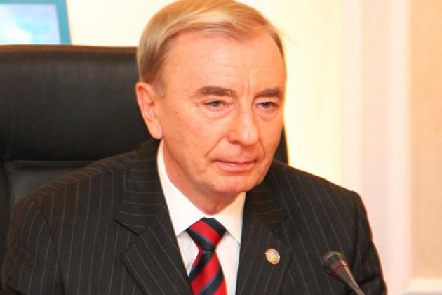 Игорь Рогов: Перераспределение властных полномочий возможно