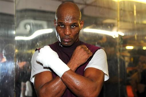 Хопкинс снова побил рекорд самого возрастного чемпиона по боксу