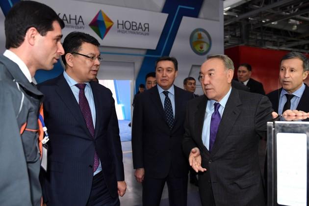 Нурсултану Назарбаеву доложили оразвитии инфраструктуры для электромобилей