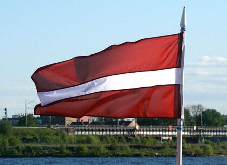 Латвия вступит в еврозону в 2014 году
