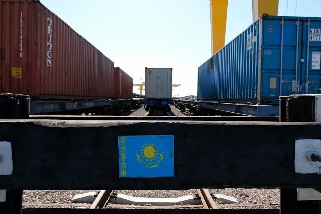 В Казахстане упростили экспортно-импортные операции