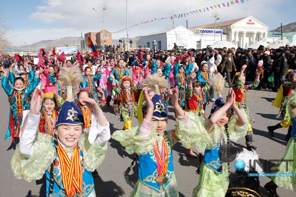 Британцы необычно поздравили казахстанцев сНаурызом