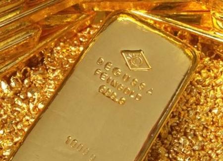 Золото подешевело на фоне падения евро
