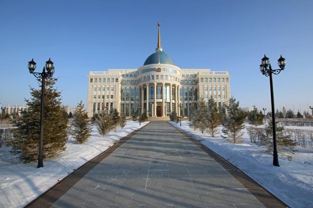 Главы Казахстана и Узбекистана отметили поступательное развитие отношений двух стран