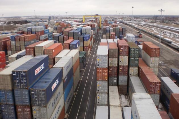 Импорт товаров растет быстрее, чем экспорт