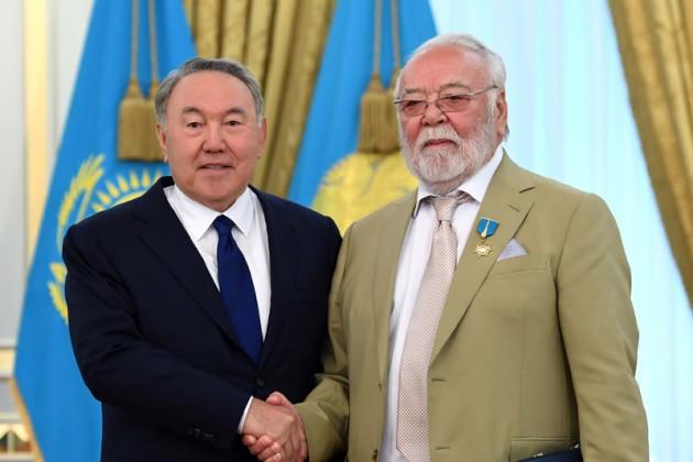 Асанали Ашимов получил звание Қазақстанның Еңбек Ері