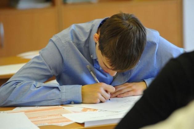 Более половины абитуриентов провалили повторное тестирование