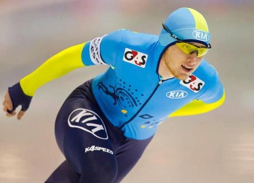 Казахстанский конькобежец завоевал золото чемпионата мира
