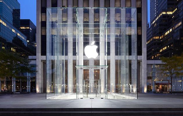 Apple запатентовала стеклянный смартфон