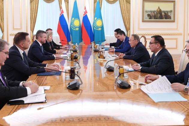 Президент Казахстана встретился спремьер-министром Словакии